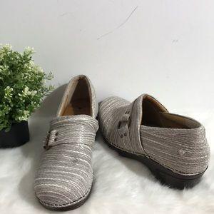 Nurse Mates slip resistant clog shoes size 10M